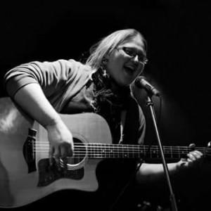 Acoustic Amy